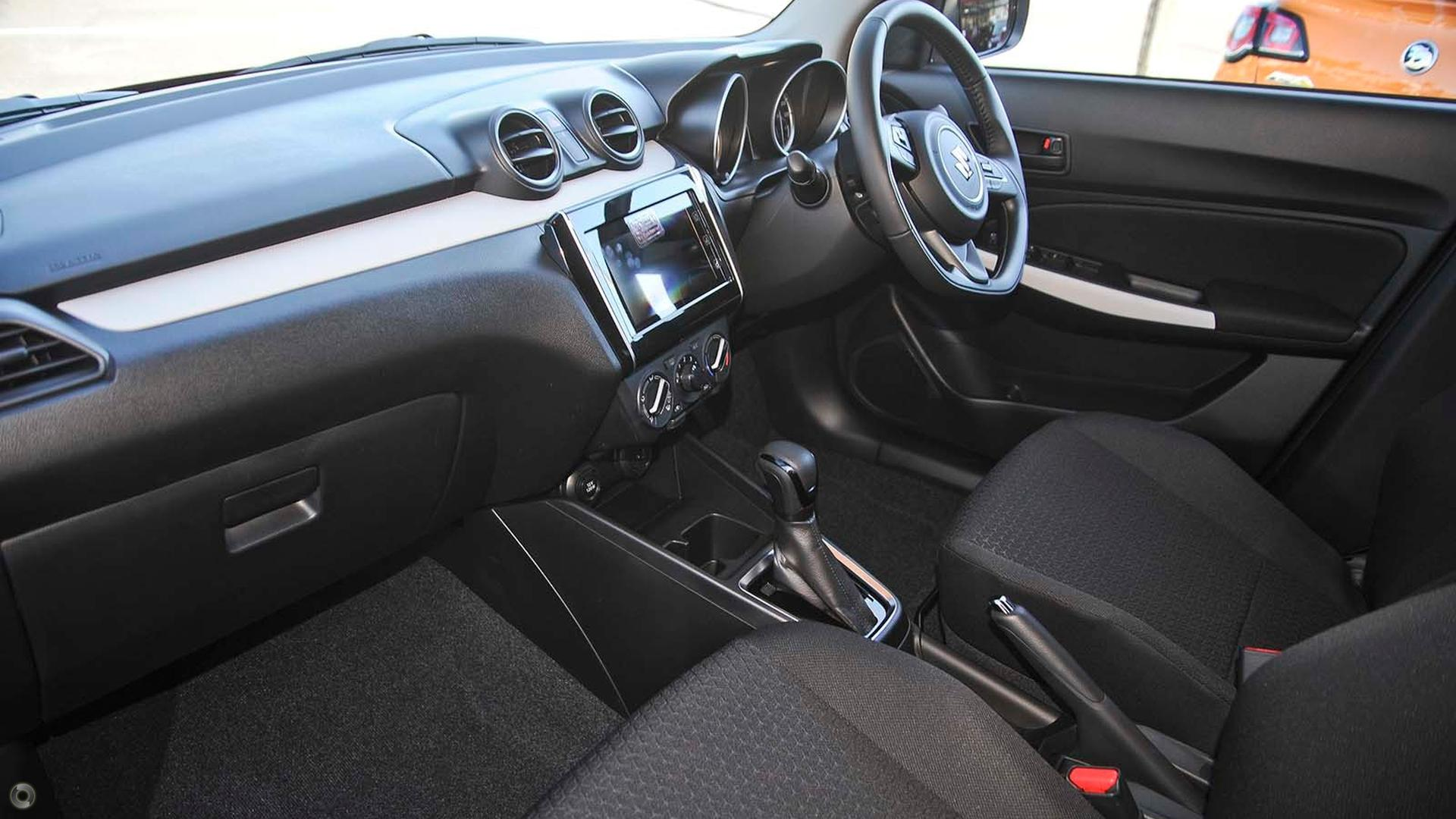2017 Suzuki Swift GL Navigator AZ