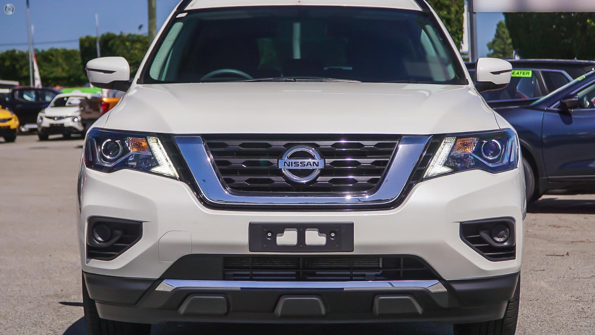 2017 Nissan Pathfinder R52 Series II