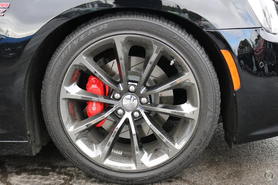 2016 Chrysler 300 SRT Hyperblack LX