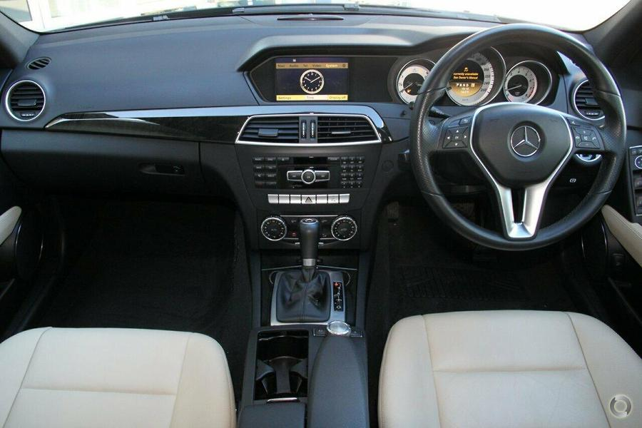 2011 mercedes benz c 250 sedan mercedes benz hornsby for Mercedes benz pre owned vehicle locator