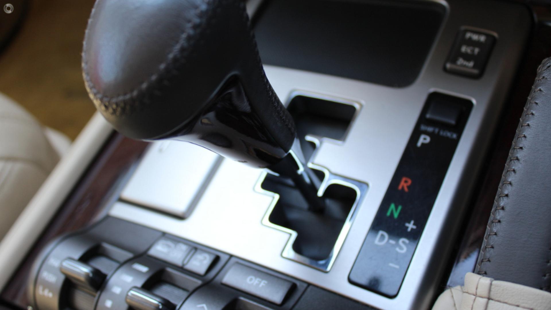 2013 Lexus Lx570  URJ201R