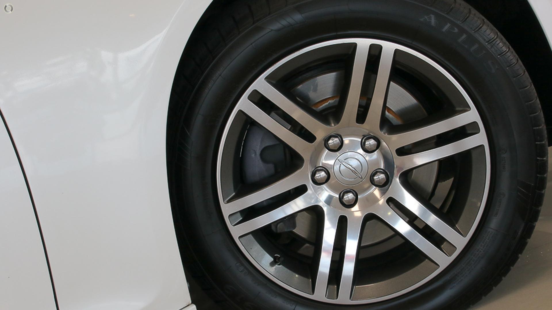 2013 Chrysler 300 Limited LX
