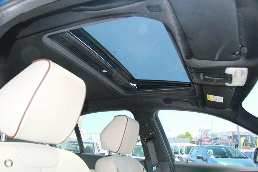 2016 BMW 330i Luxury Line