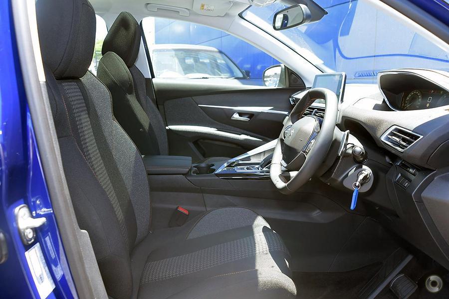 2017 Peugeot 3008 Active P84