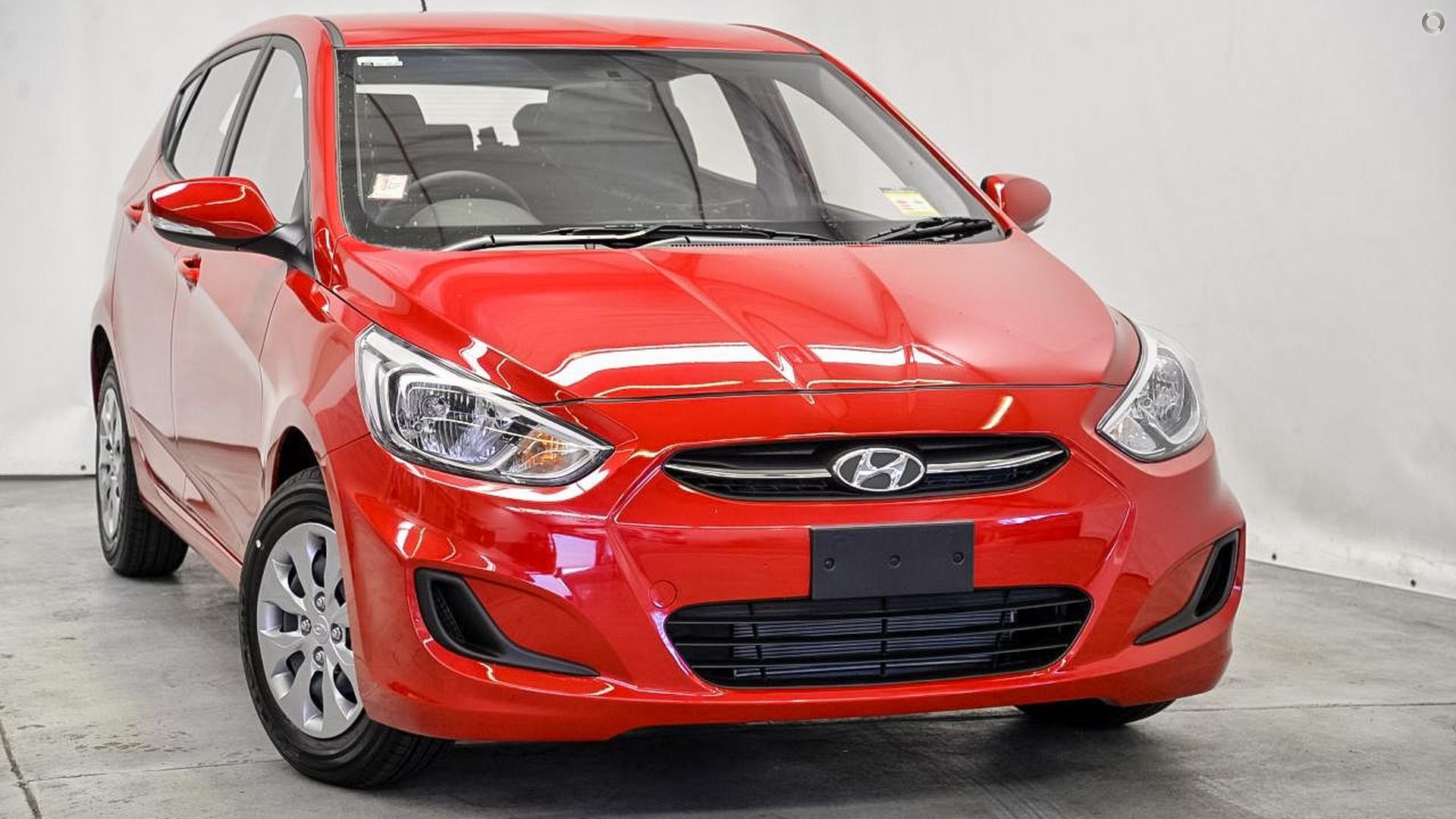 2017 Hyundai Accent Active