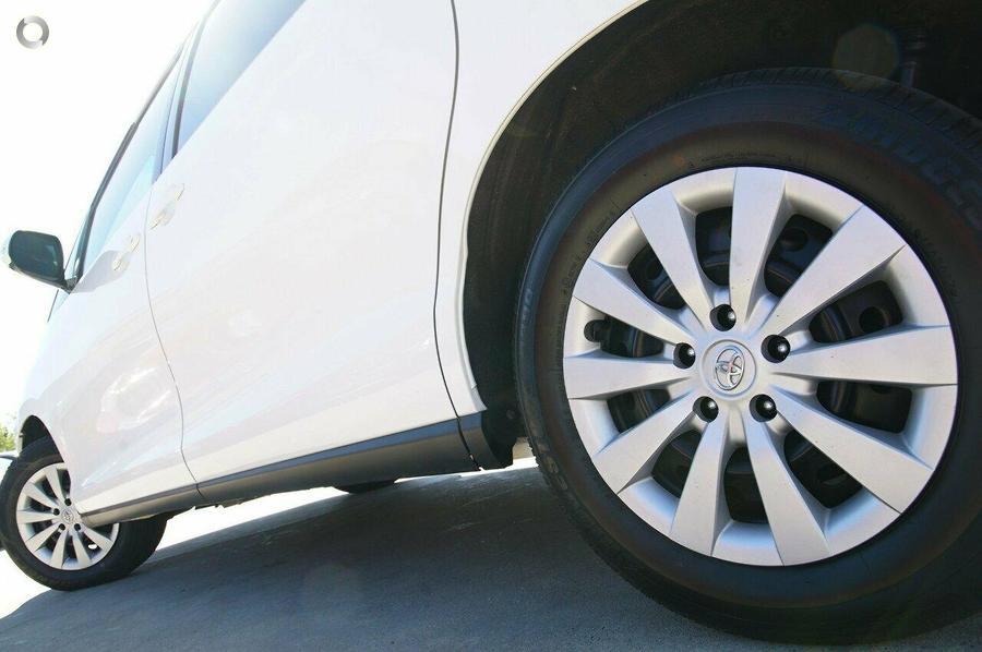 2017 Toyota Tarago GLi ACR50R