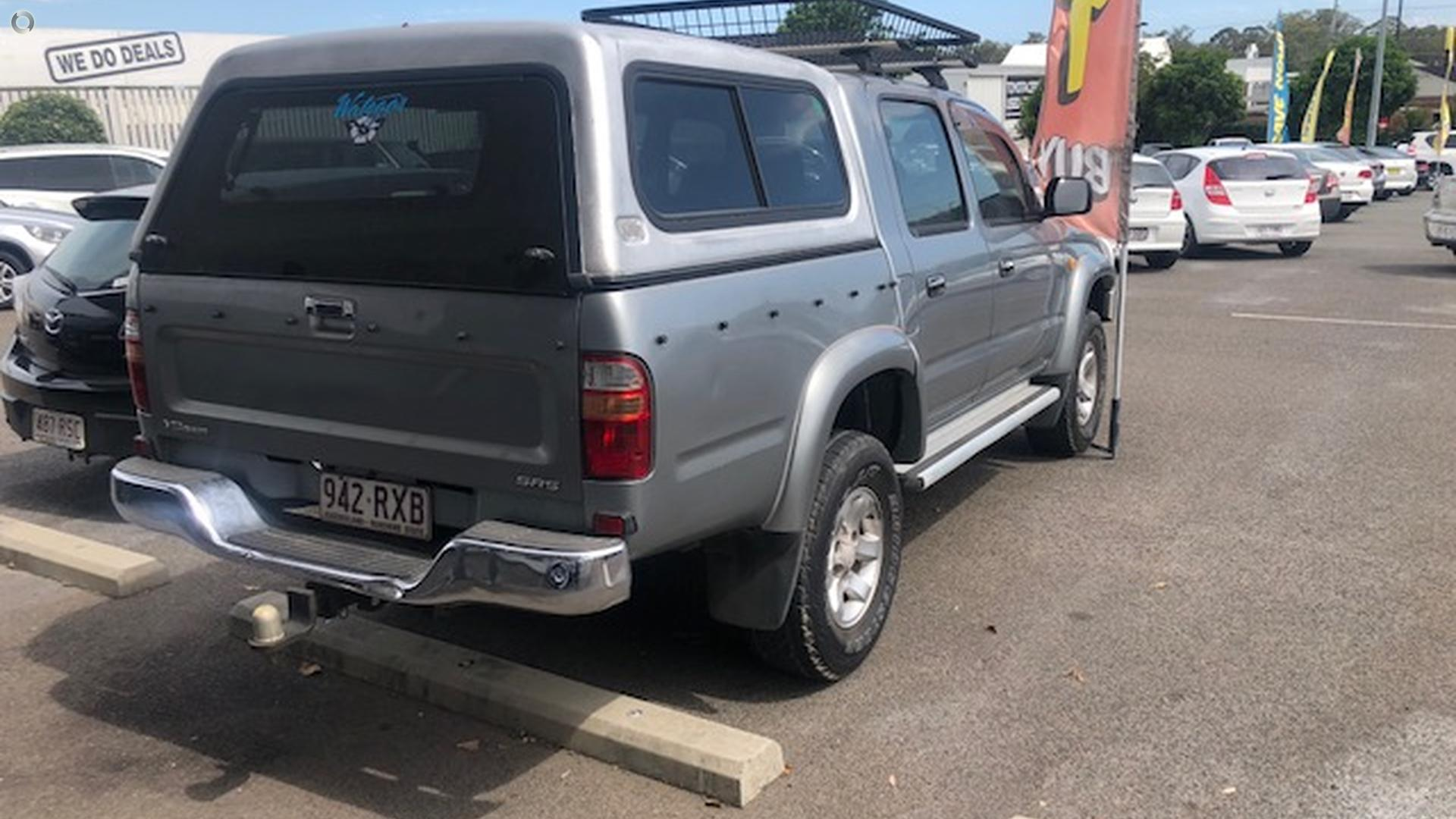 2003 Toyota Hilux SR5 RZN149R