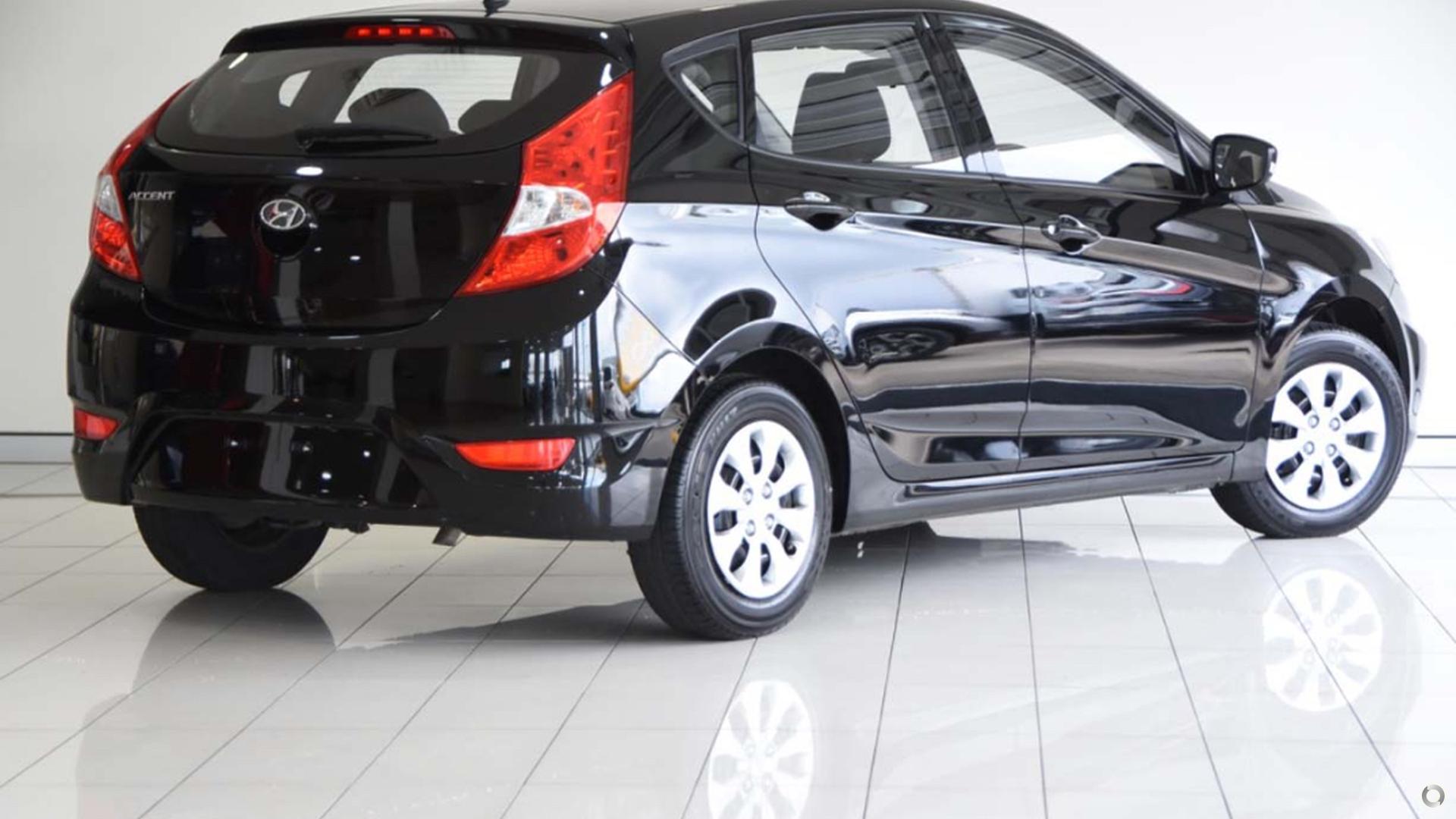 2015 Hyundai Accent Active RB3