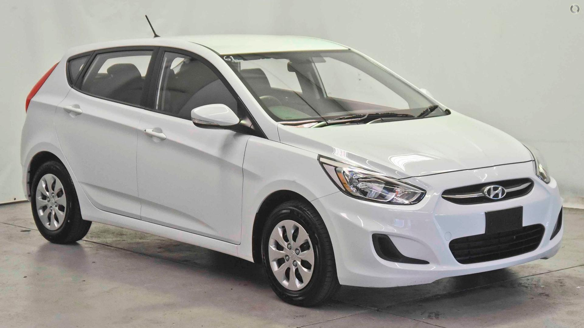 2017 Hyundai Accent Active RB4