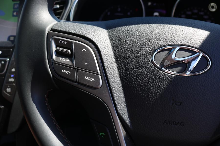 2016 Hyundai Santa Fe Highlander DM3 Series II