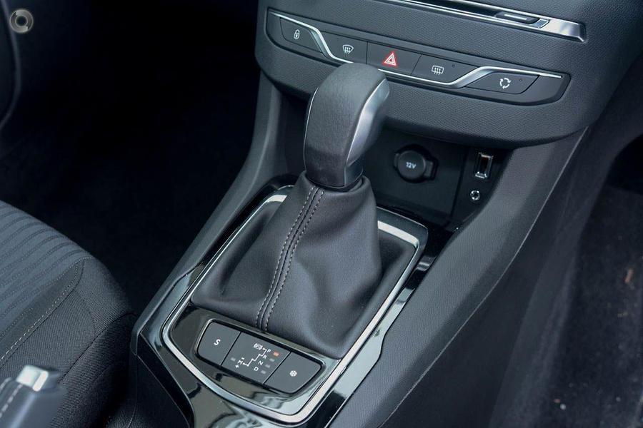 2017 Peugeot 308 Active T9
