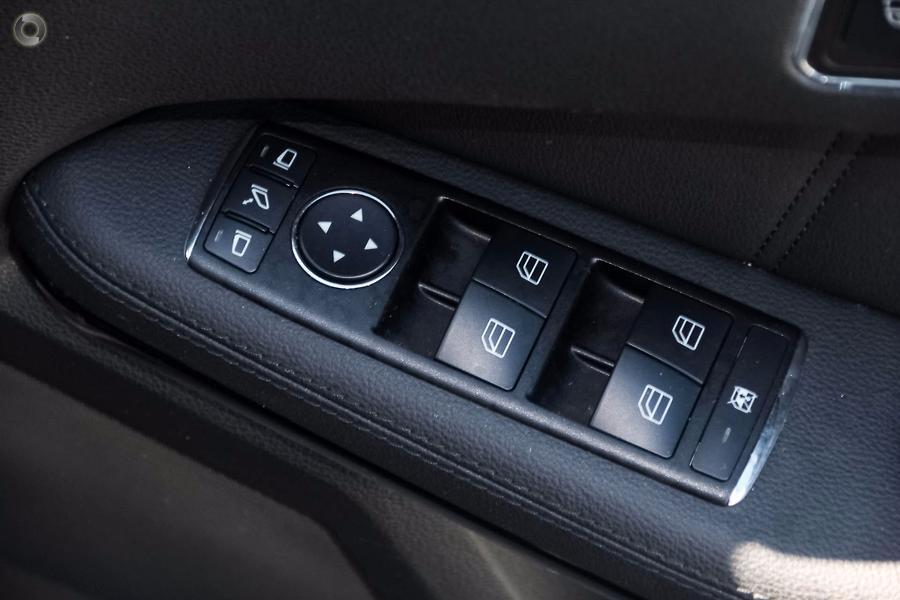 2010 Mercedes-Benz E 250 CDI Sedan