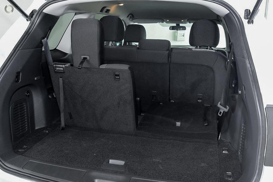 2017 Nissan Pathfinder ST R52 Series II