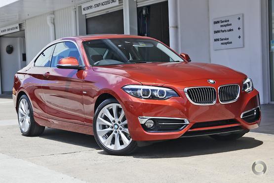 2017 BMW 220 i Luxury Line