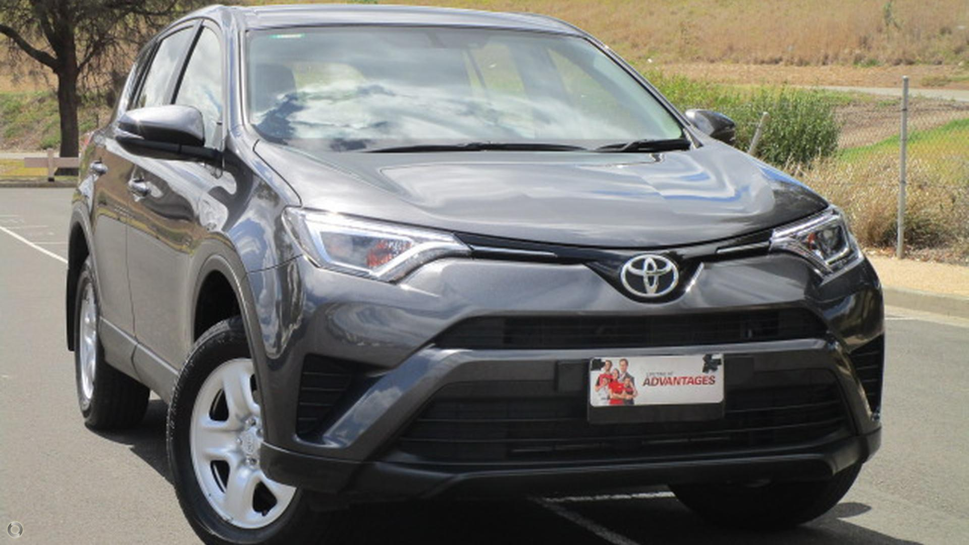 2017 Toyota RAV4 ASA44R