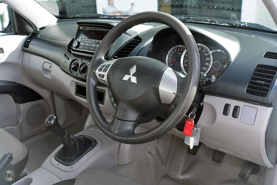 2015 Mitsubishi Triton GL MN