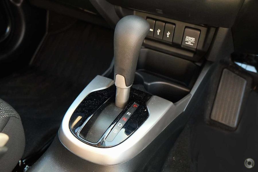 2015 Honda Jazz VTi GF