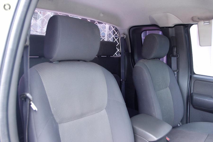 2013 Nissan Navara ST-X D40 Series 6