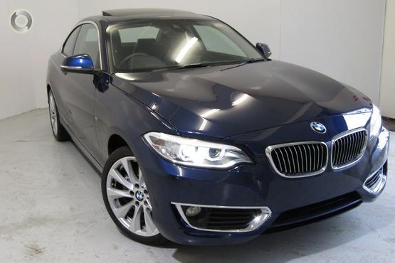 2017 BMW 230 i Luxury Line