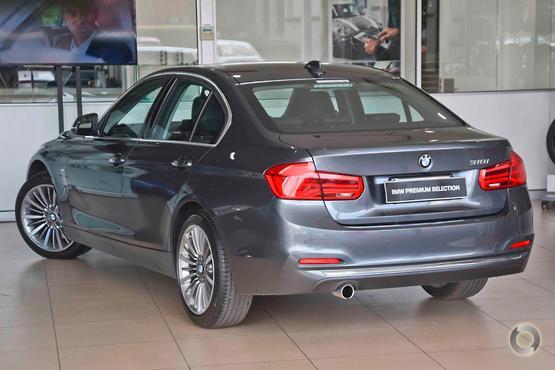 2017 BMW 318 i Luxury Line