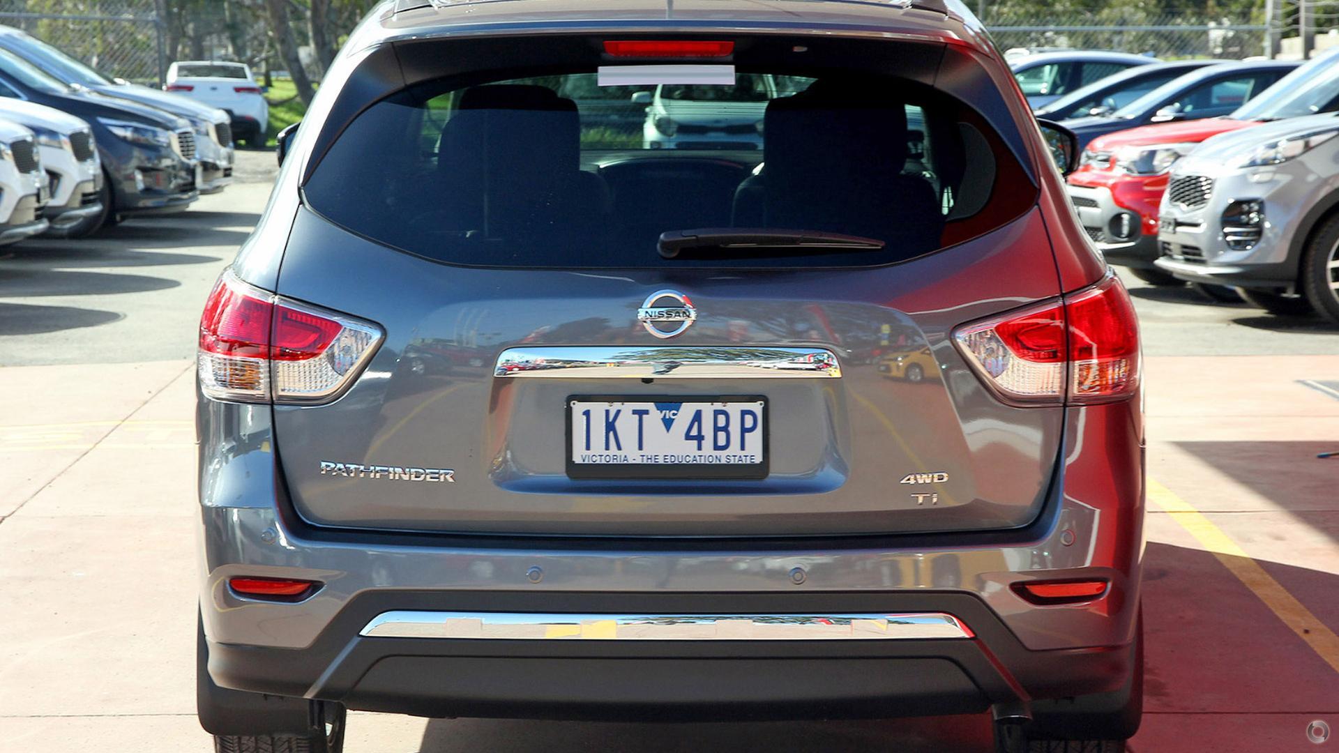 2016 Nissan Pathfinder Ti R52