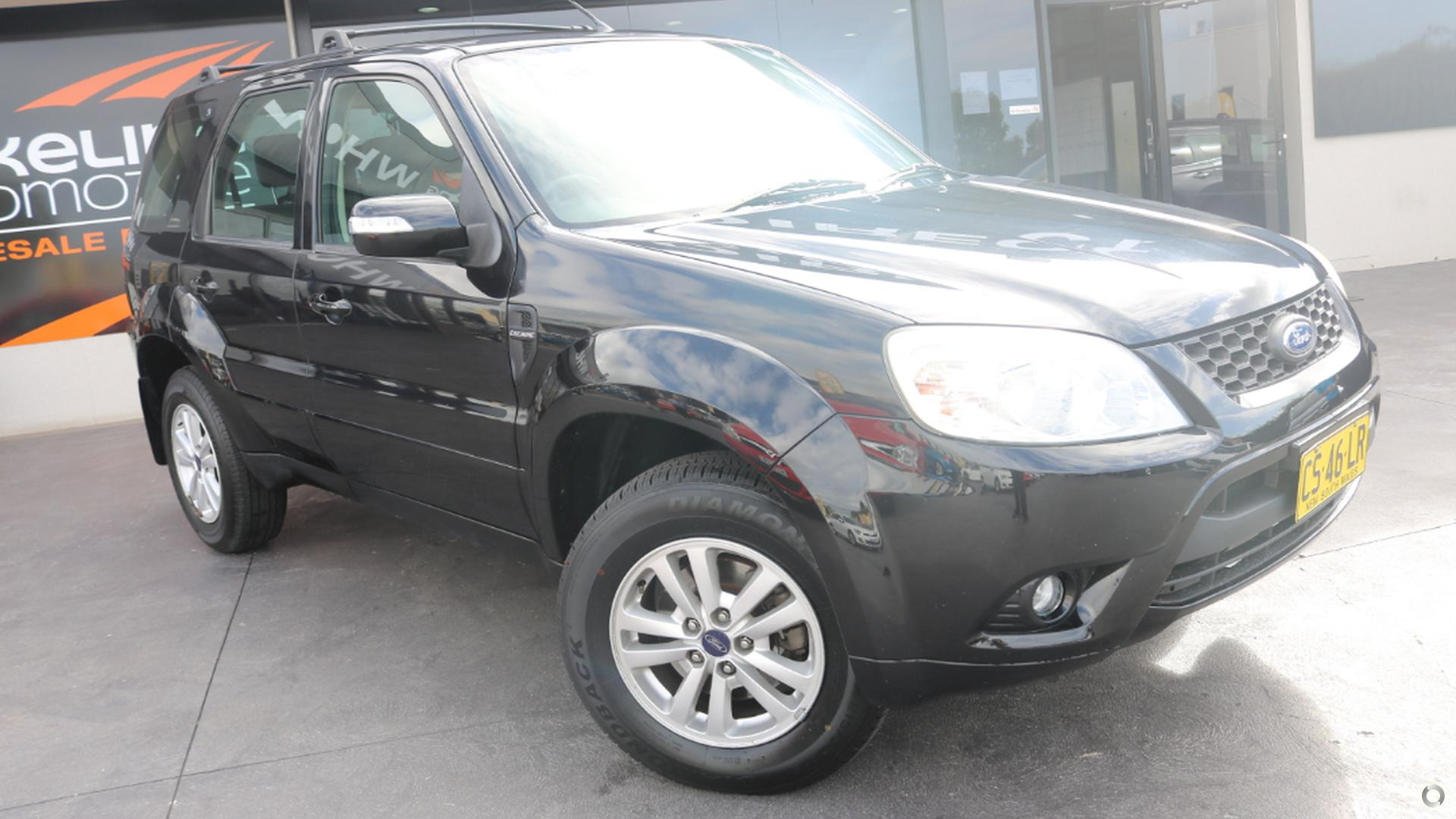 2010 Ford Escape  ZD