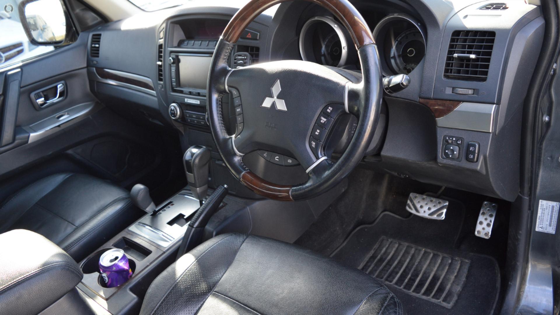 2013 Mitsubishi Pajero Exceed NW