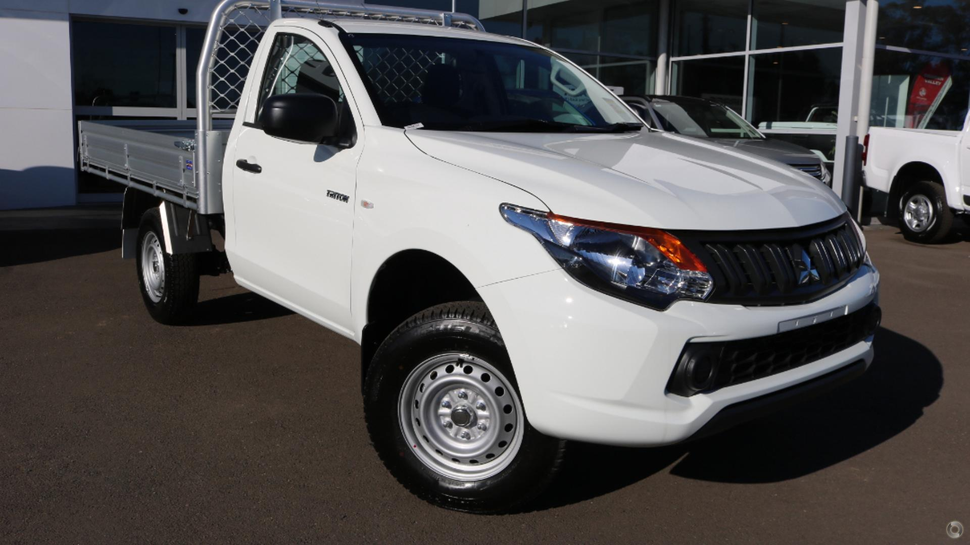 2018 Mitsubishi Triton Glx