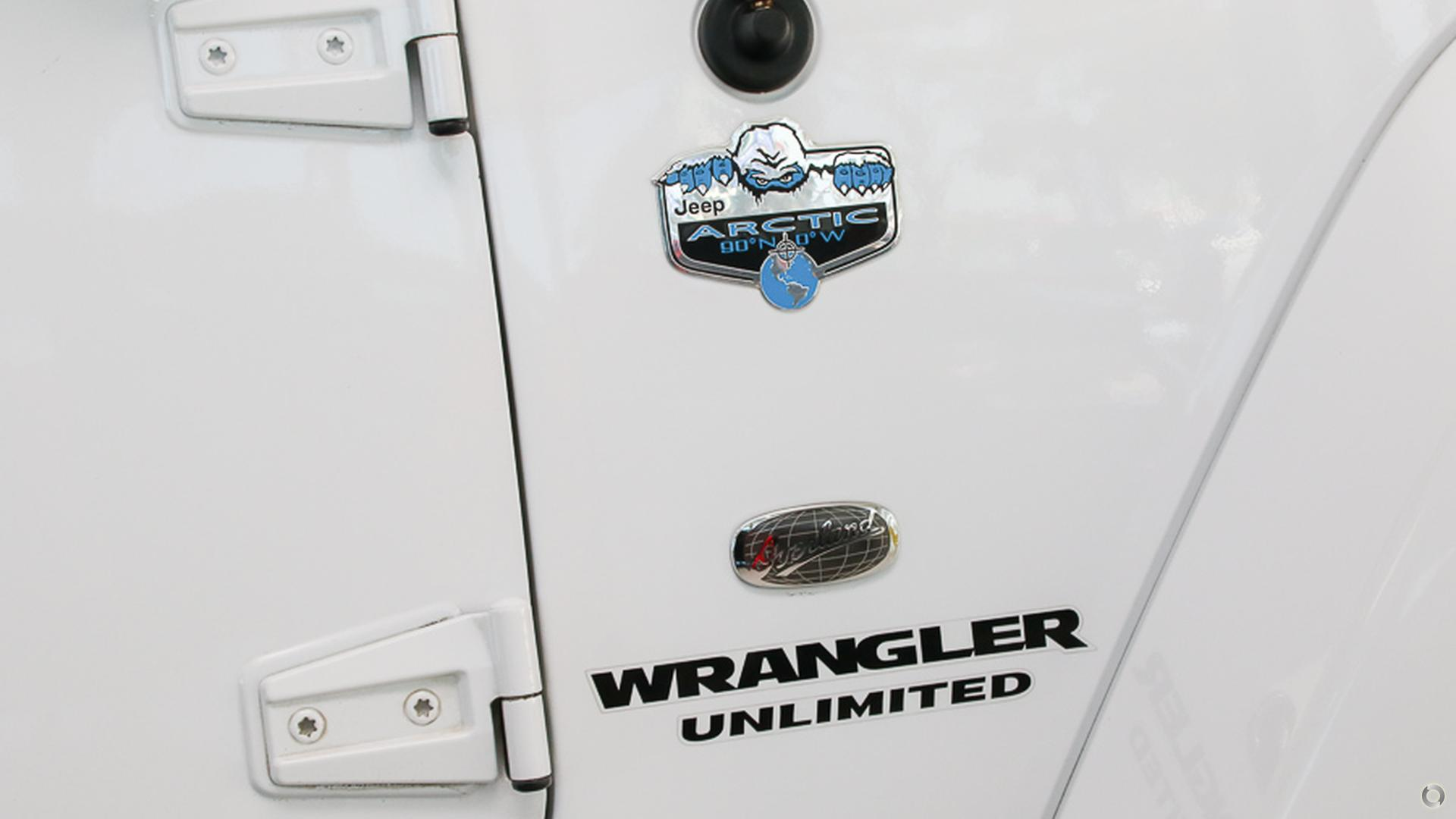 2014 Jeep Wrangler Unlimited Overland JK