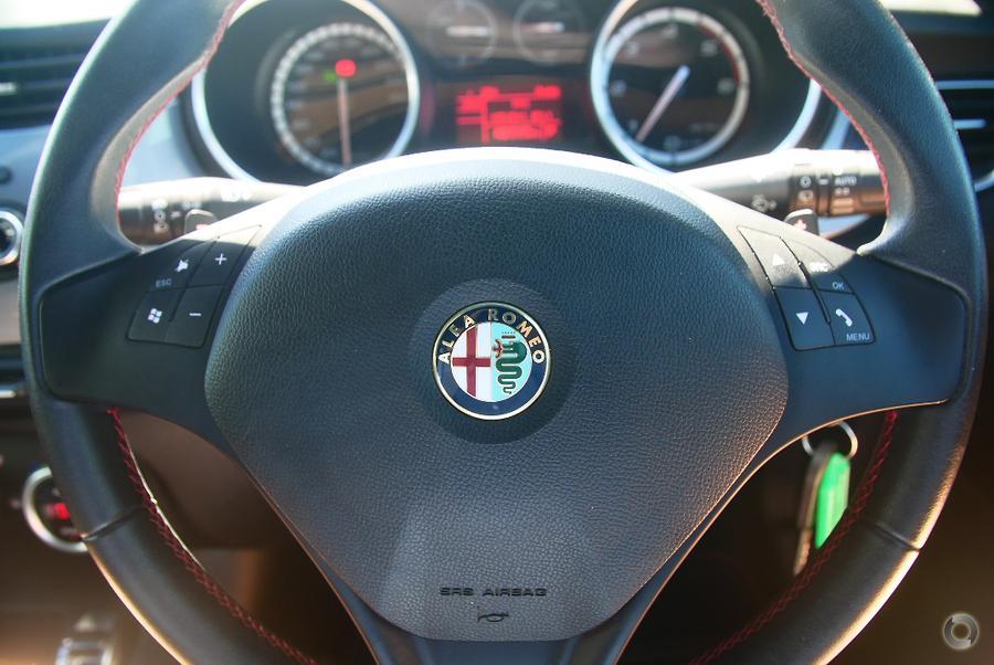 2013 Alfa Romeo Giulietta Distinctive JTD-M Series 0