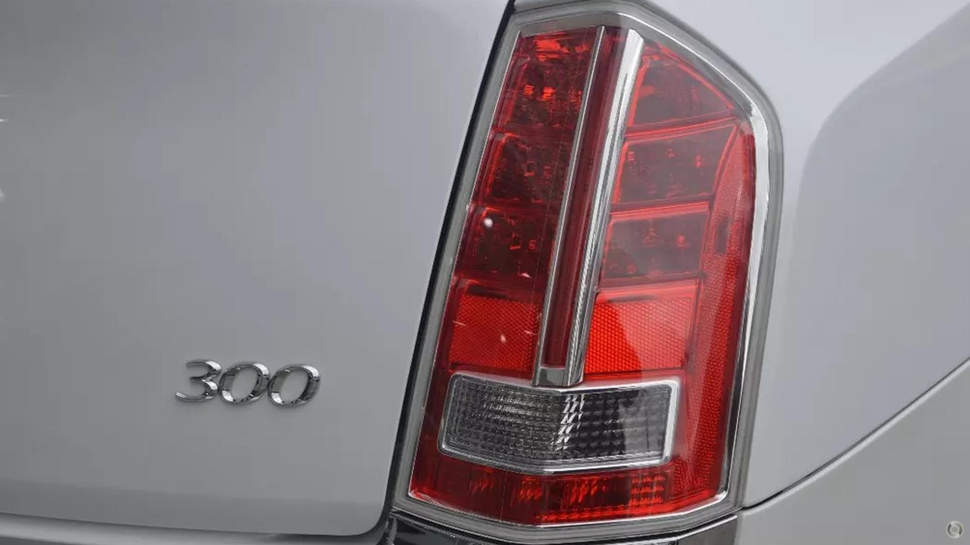 2012 Chrysler 300 Limited LX