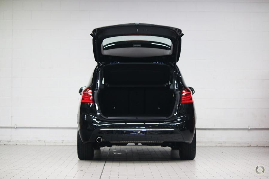 2017 BMW 218d Luxury Line