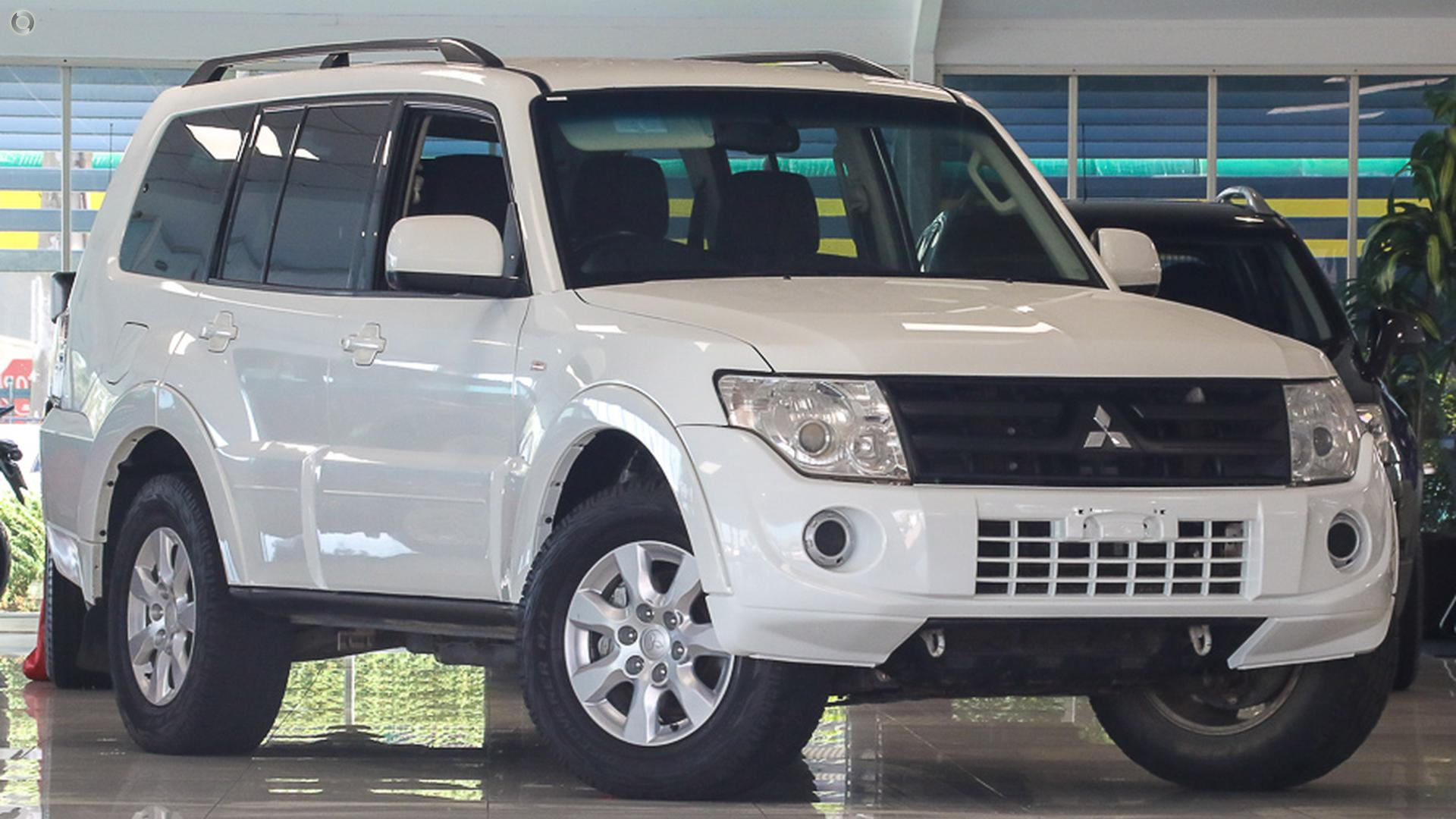2014 Mitsubishi Pajero NW