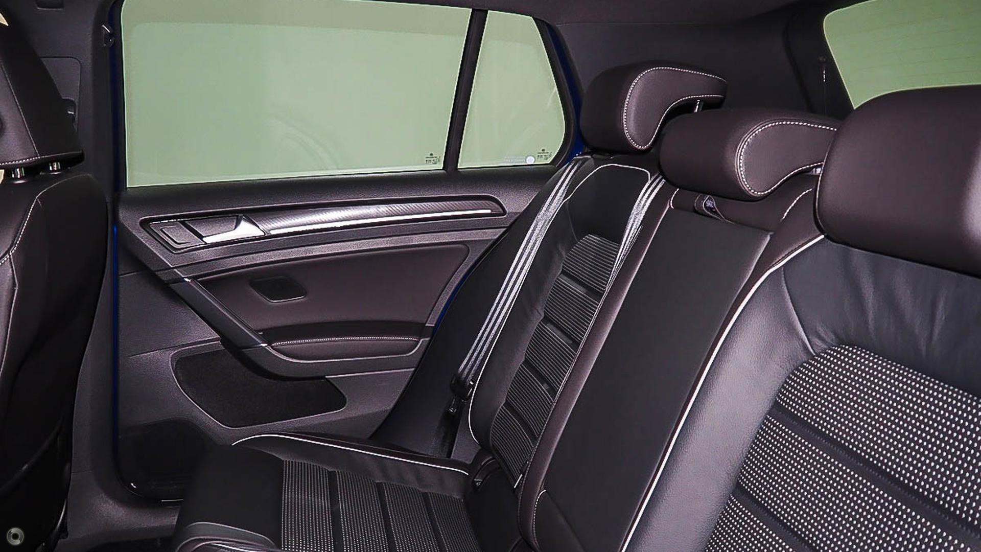 2017 Volkswagen Golf R 7.5
