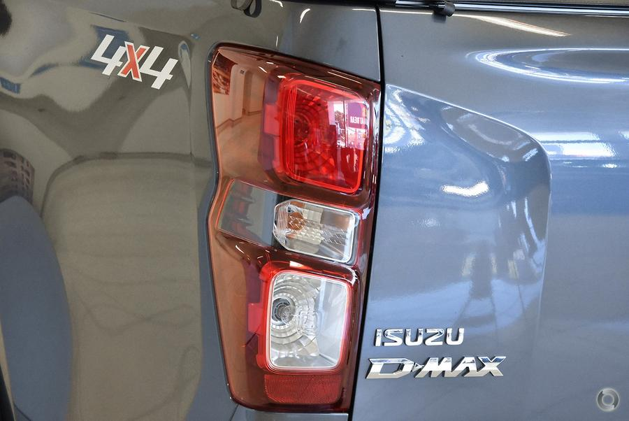 2021 Isuzu D-MAX LS-M