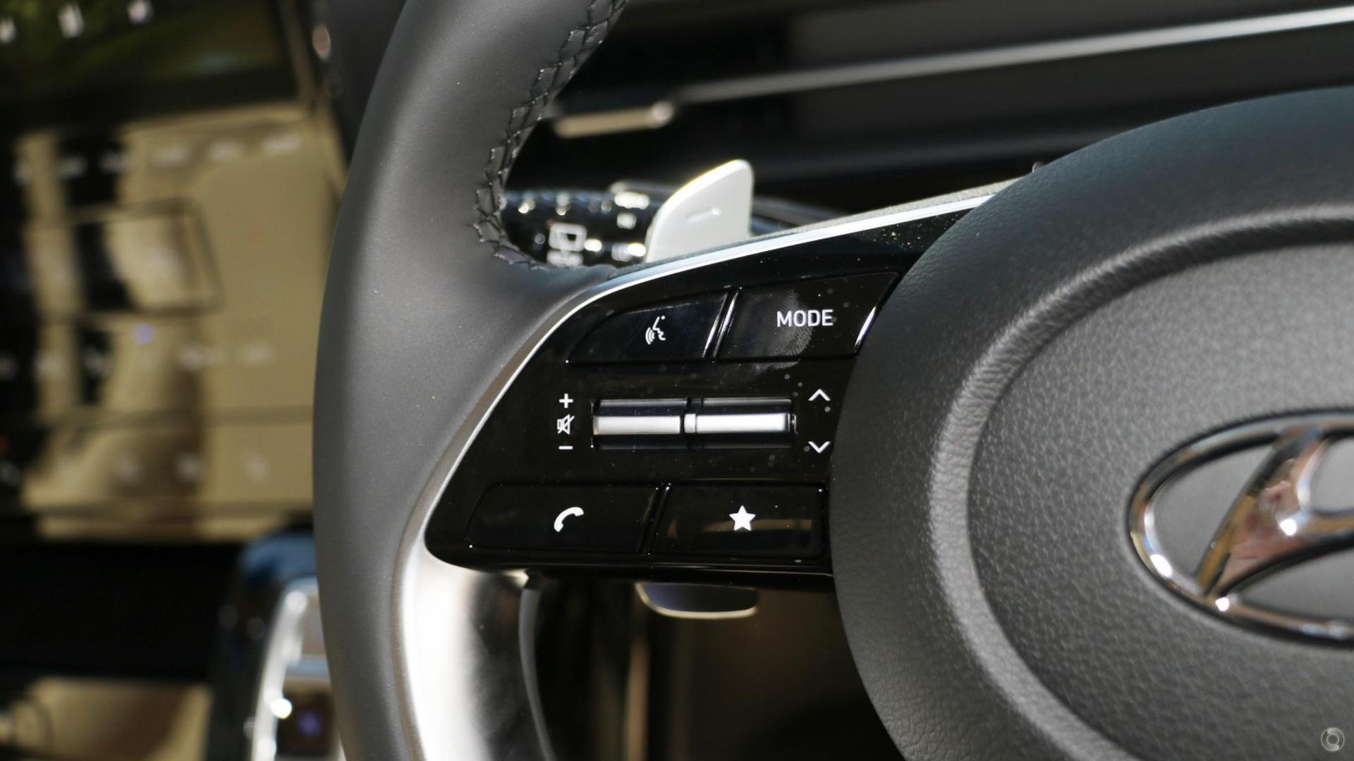 2021 Hyundai STARIA Highlander US4.V1