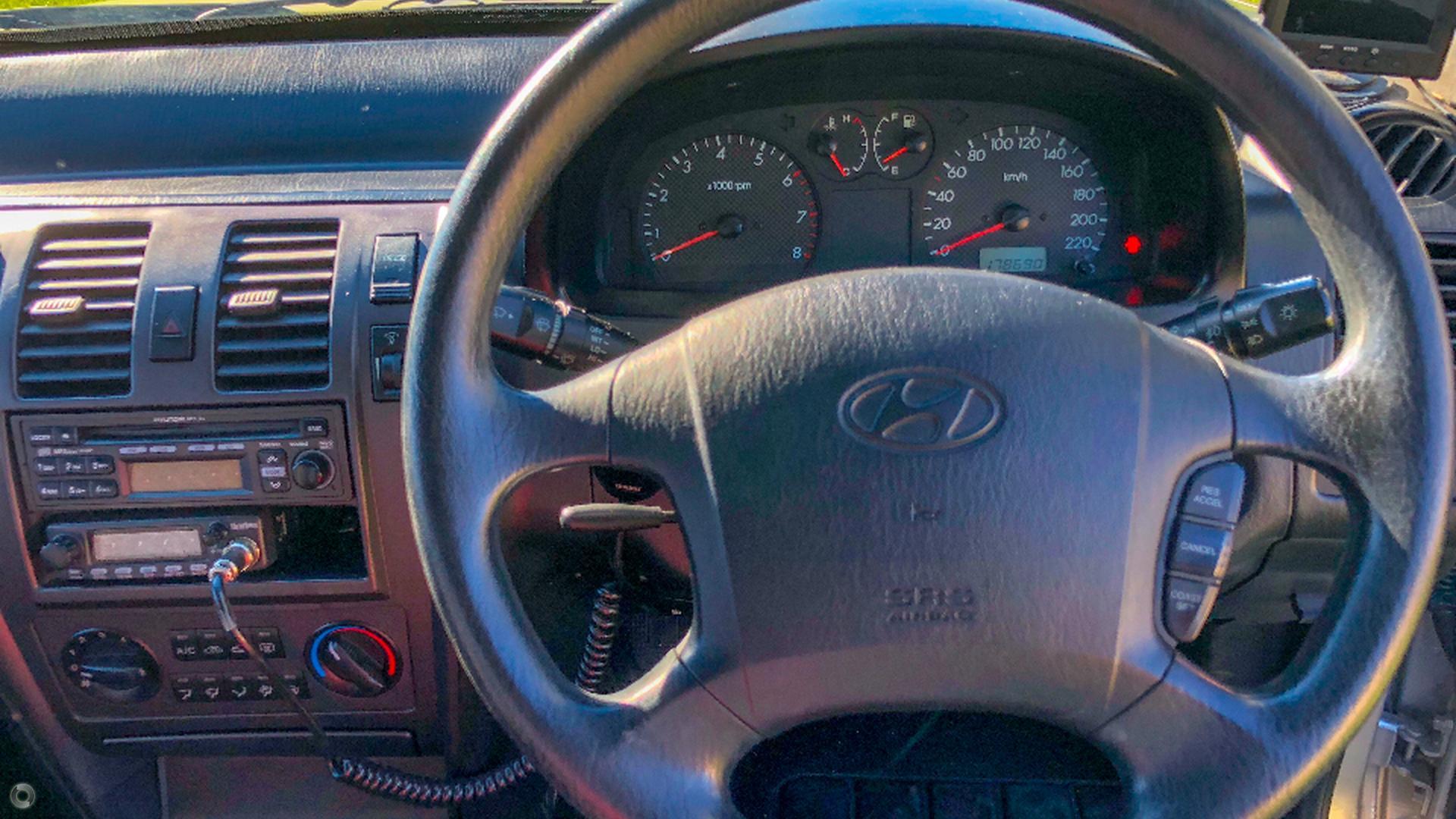 2004 Hyundai Terracan  HP