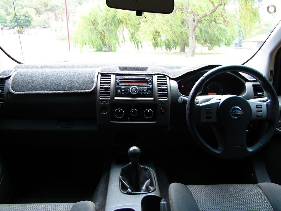 2015 Nissan Navara Silverline SE D40 Series 9