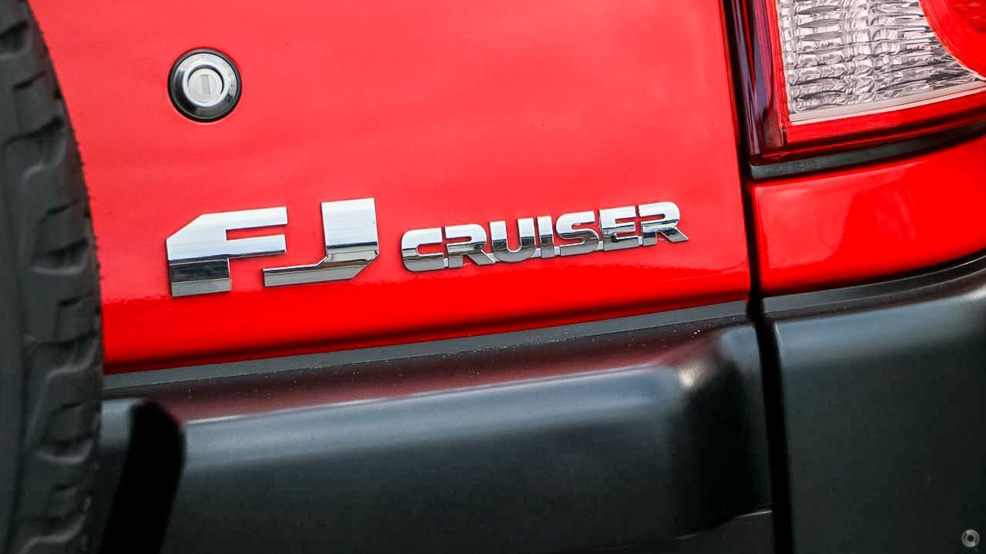 2015 Toyota FJ Cruiser  GSJ15R