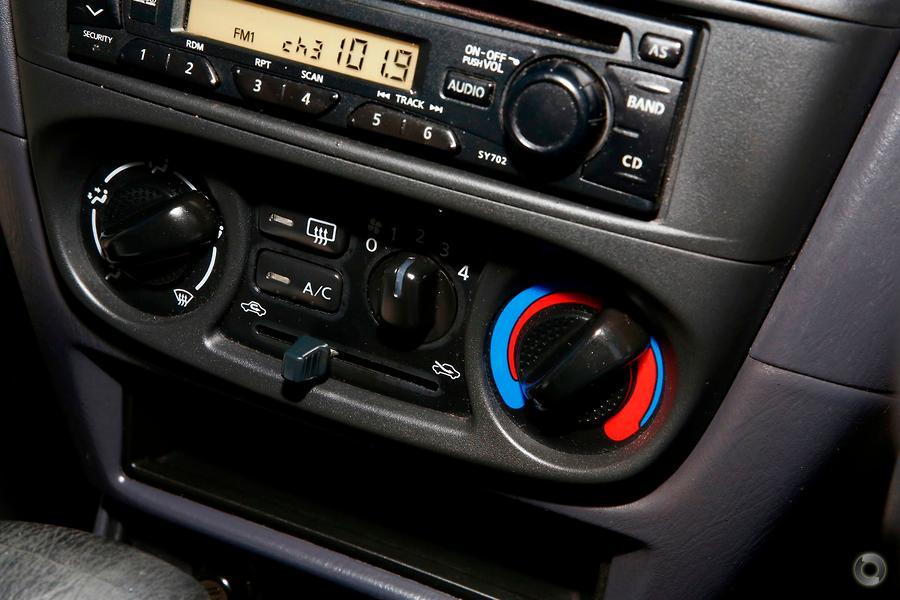 2002 Nissan Pulsar LX Plus N16