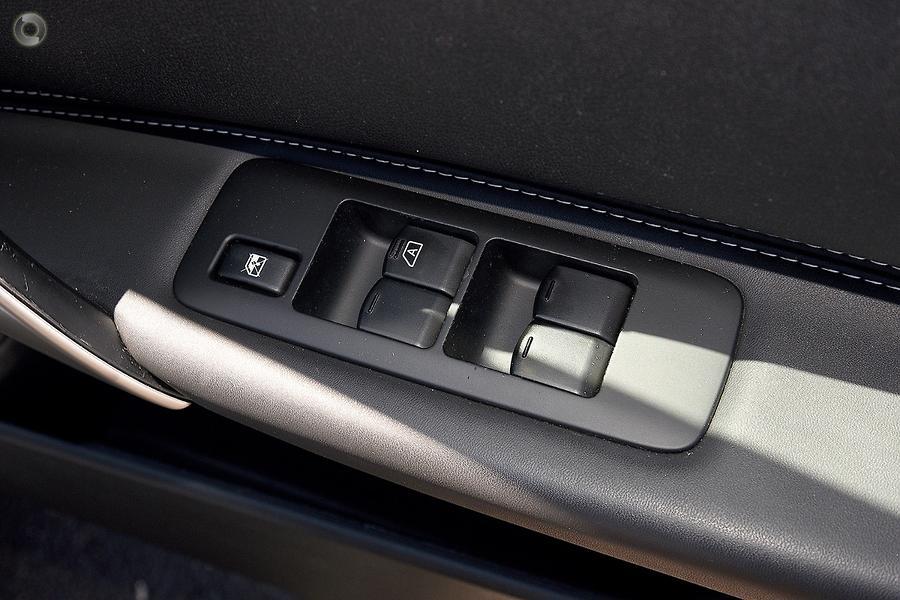 2012 Nissan Dualis Ti J10 Series 3