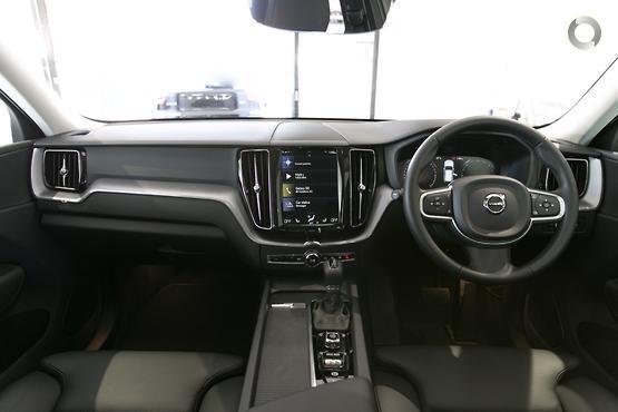 2018 Volvo XC60 D4 Momentum (No Series)
