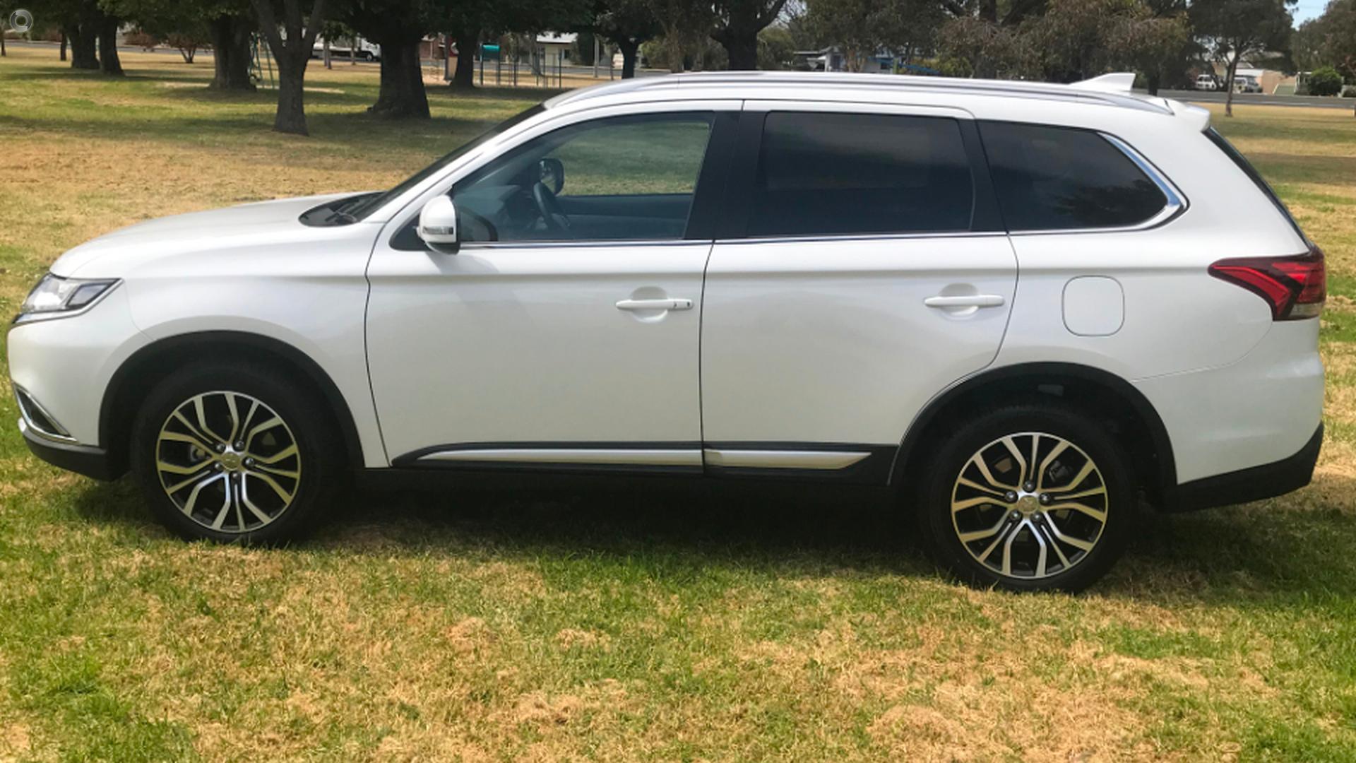 2017 Mitsubishi Outlander ES ADAS ZL