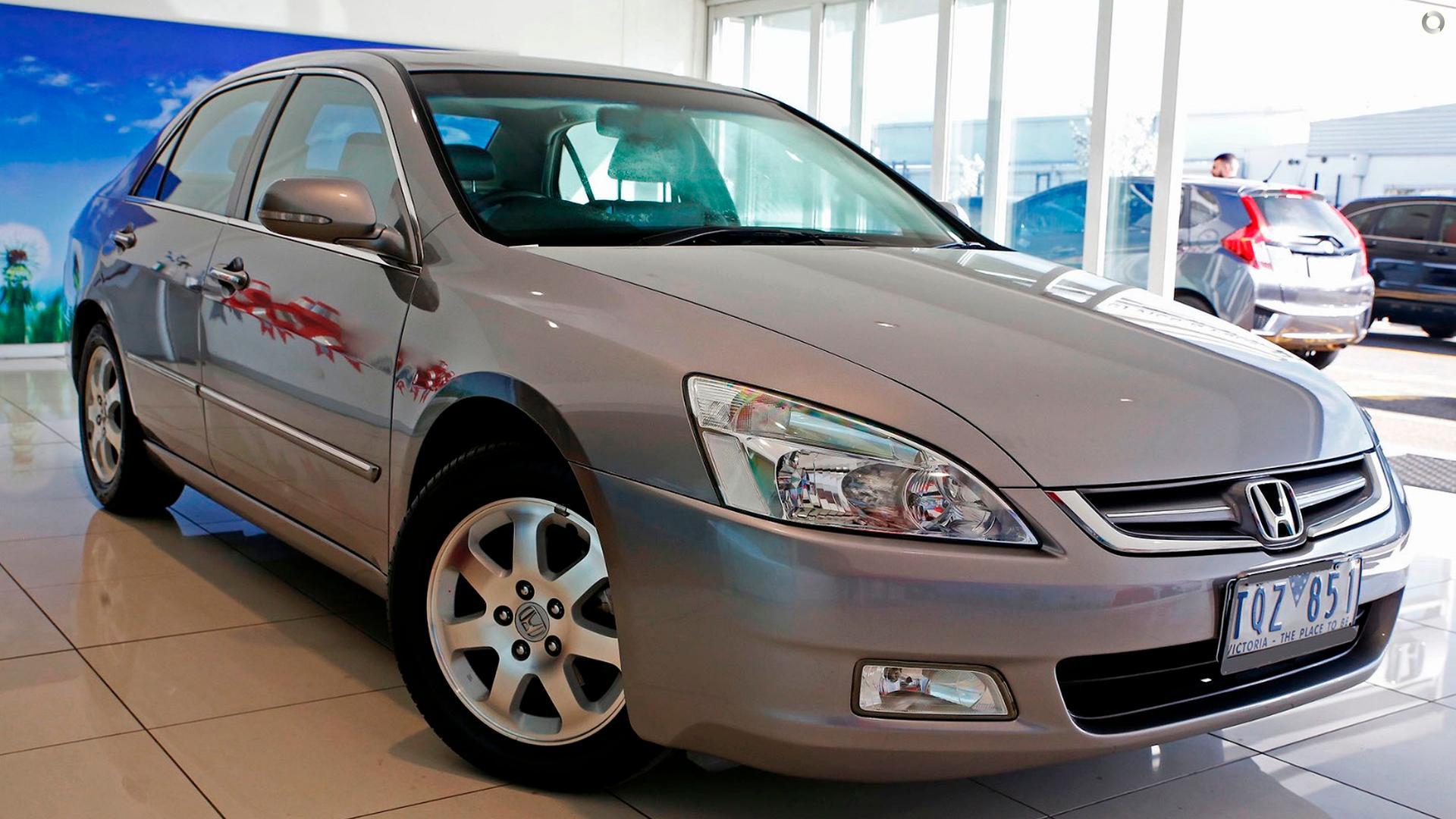 ... 2005 Honda Accord V6 Luxury 7th Gen ...