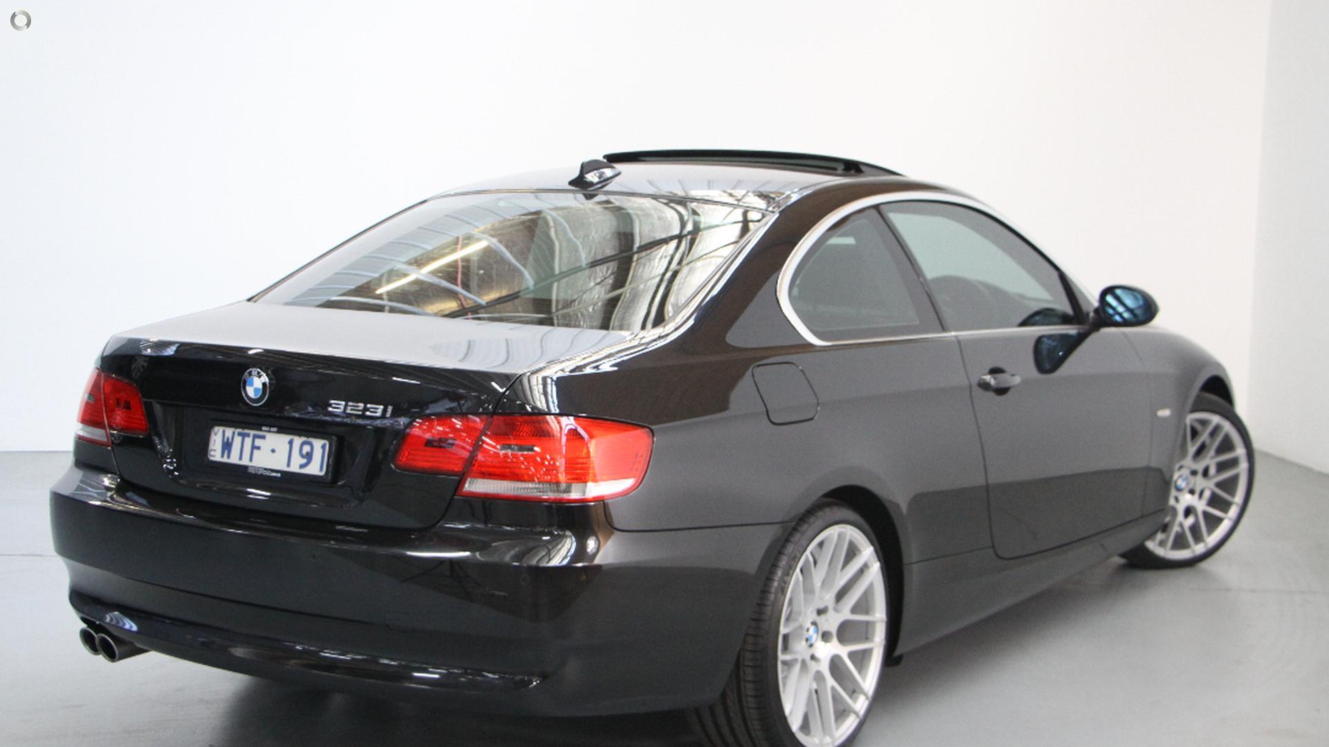 2008 BMW 323i  E92