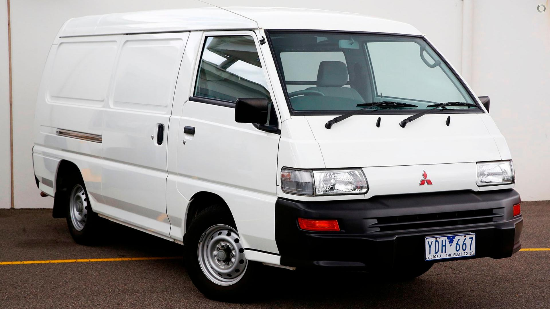 2009 Mitsubishi Express  SJ