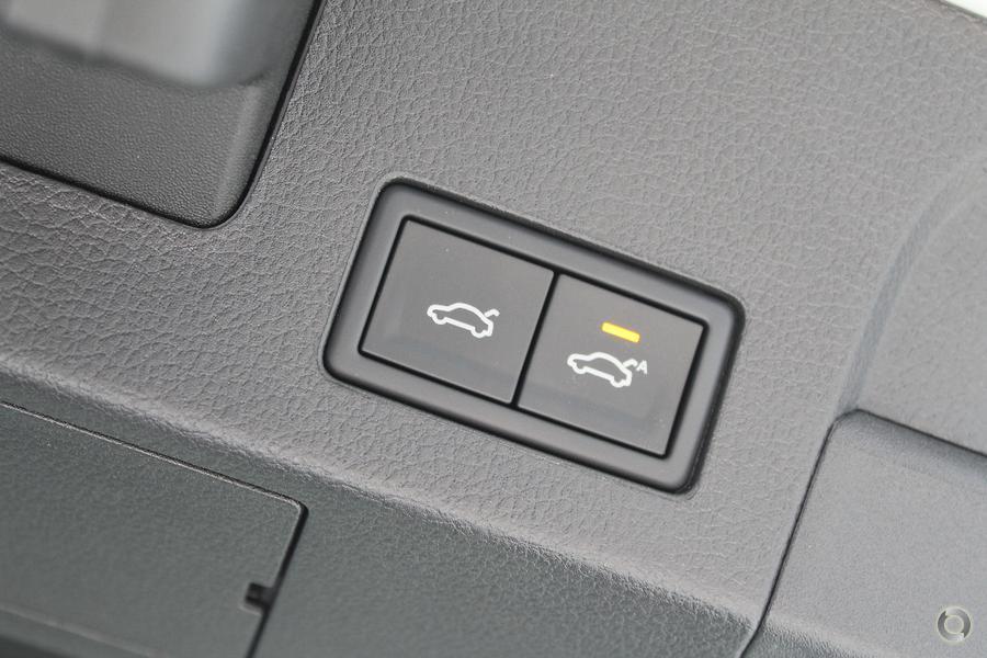 2017 Volkswagen Arteon 206TSI R-Line 3H