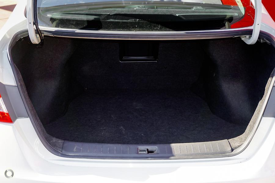 2013 Nissan Pulsar Ti B17
