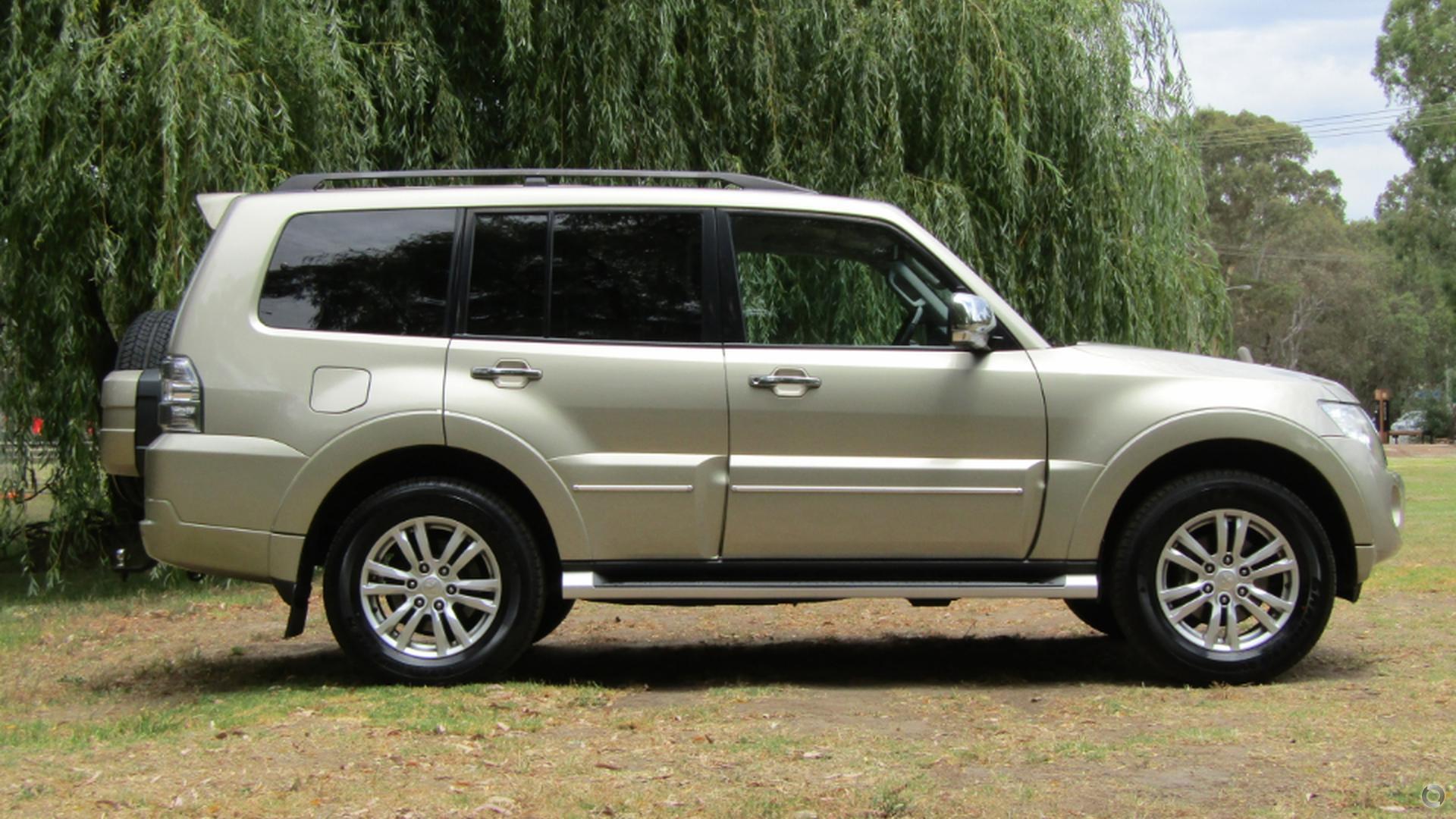 2011 Mitsubishi Pajero Exceed NW