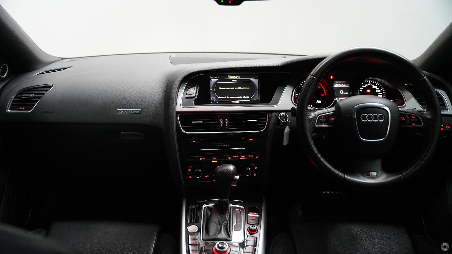 2011 Audi A5  8T